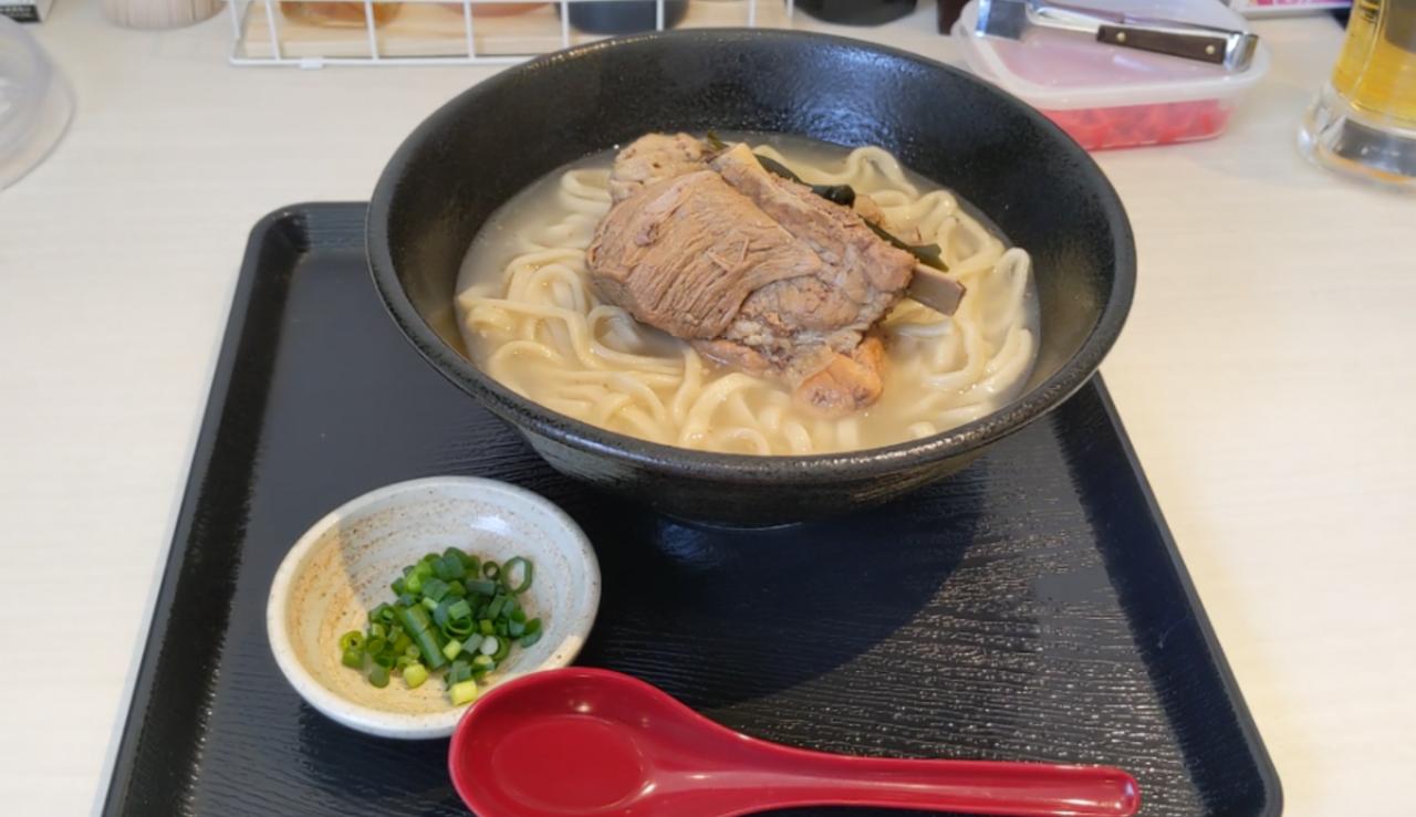 『ひんぷん』東京本店ソーキそば